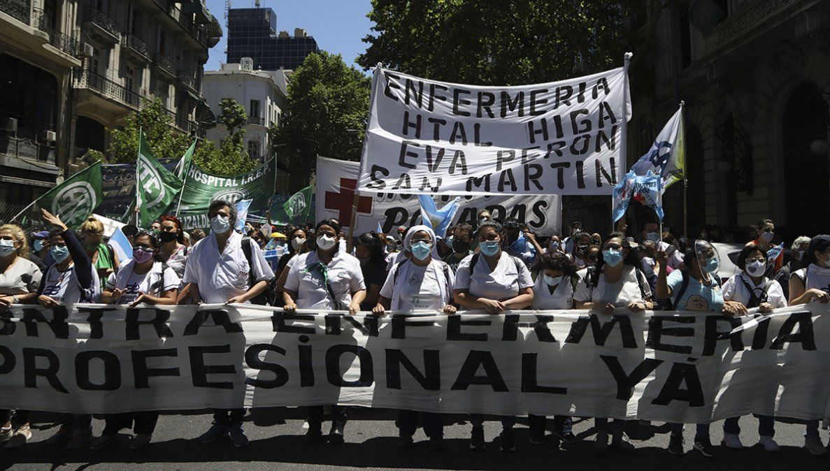 Paro y movilización de enfermeros