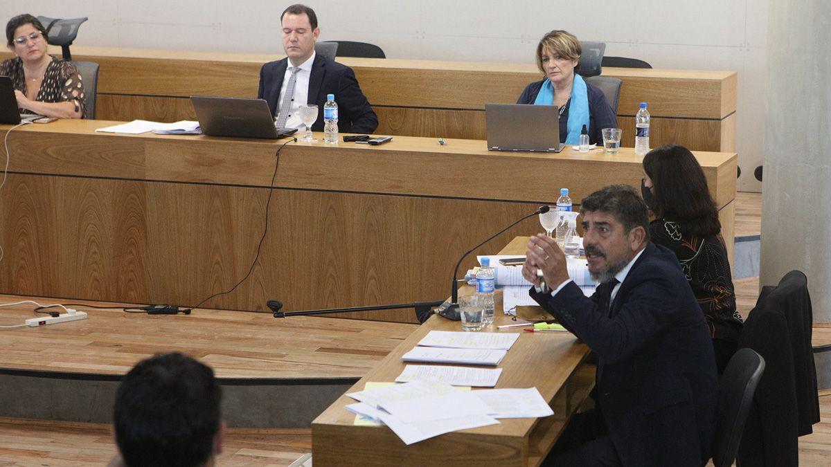 El juicio se lleva a cabo ante la Cámara Primera del Crimen.