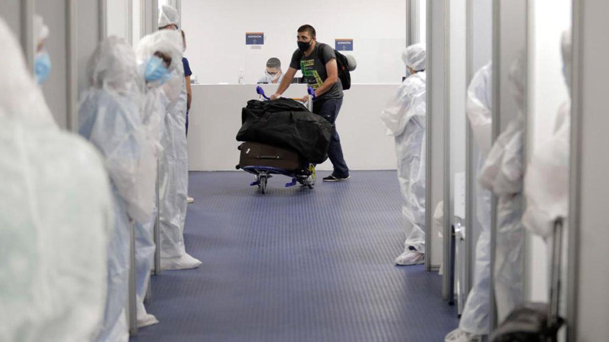 El doctor Díaz dijo que fue conveniente el modo en el que se retrasó el ingreso de personas desde el extranjero al país.