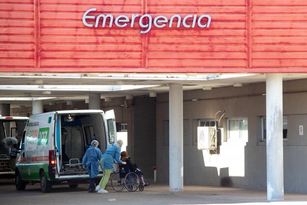 El director del Hospital Regional Pasteur aseguró que los decesos se encuentran dentro de las cifras esperables por la pandemia.