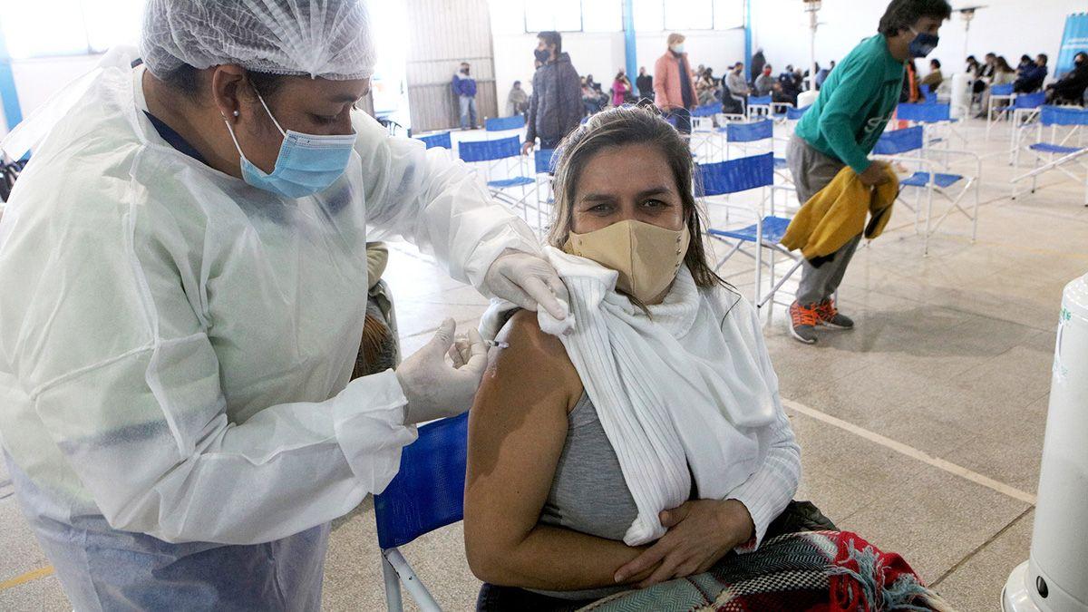 El viernes se registró un récord de vacunas aplicadas en el país.