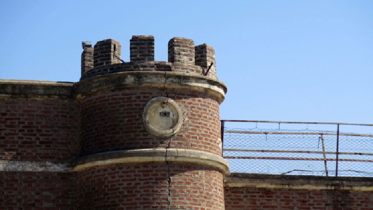 El brote dentro de la cárcel local obligó a reprogramar la actividad en la Justicia.