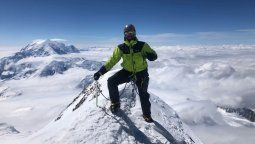 Luego de 24 días de expedición, Jonathan Stobbia logró hacer cumbre en el monte Denali, el pico más alto de América del Norte, a unos 300 kilómetros del polo.