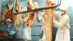 El precio promedio de las exportaciones de carne bovina de agosto 2020 resultó moderadamente superior (+9,1%) con relación al registrado en el mes de julio de este mismo año.