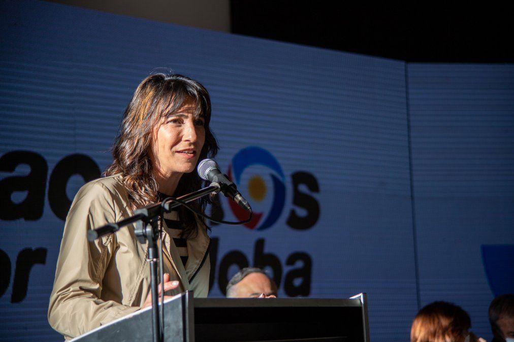 """Natalia de la Sota expresó en el cierre de campaña local:""""Estén tranquilos porque sabemos lo que hay que hacer en el Congreso""""."""