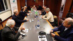 En la sede de Coninagro se reunieron los representantes de la Mesa de Enlace con los referentes de los grandes frigoríficos exportadores para analizar el escenario.