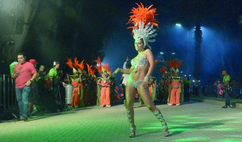 Tras la lluvia, los carnavales le devolvieron el calor a VillaNueva