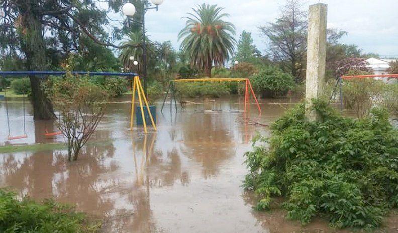 El sur fue castigado por lluvias de  hasta 100 milímetros  y fuertes vientos