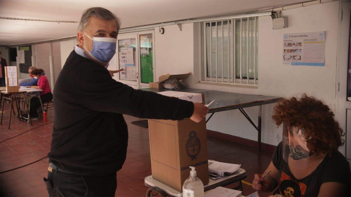 Mario Negri votó en la ciudad de Córdoba.
