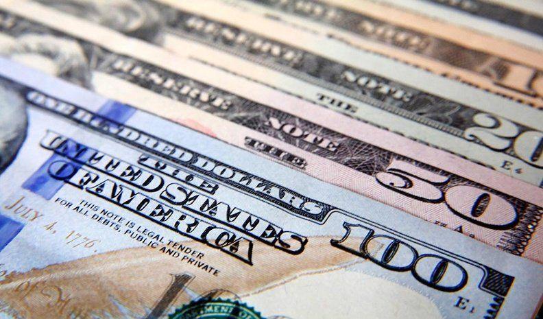 El dólar subió 13 centavos en el comienzo de la semana