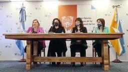 """La ministra de Salud, Carla Vizzotti, anunció hoy en la ciudad de Ushuaia que la provincia de Tierra del Fuego se convirtió en la primera jurisdicción del país en alcanzar la """"inmunidad de rebaño""""."""