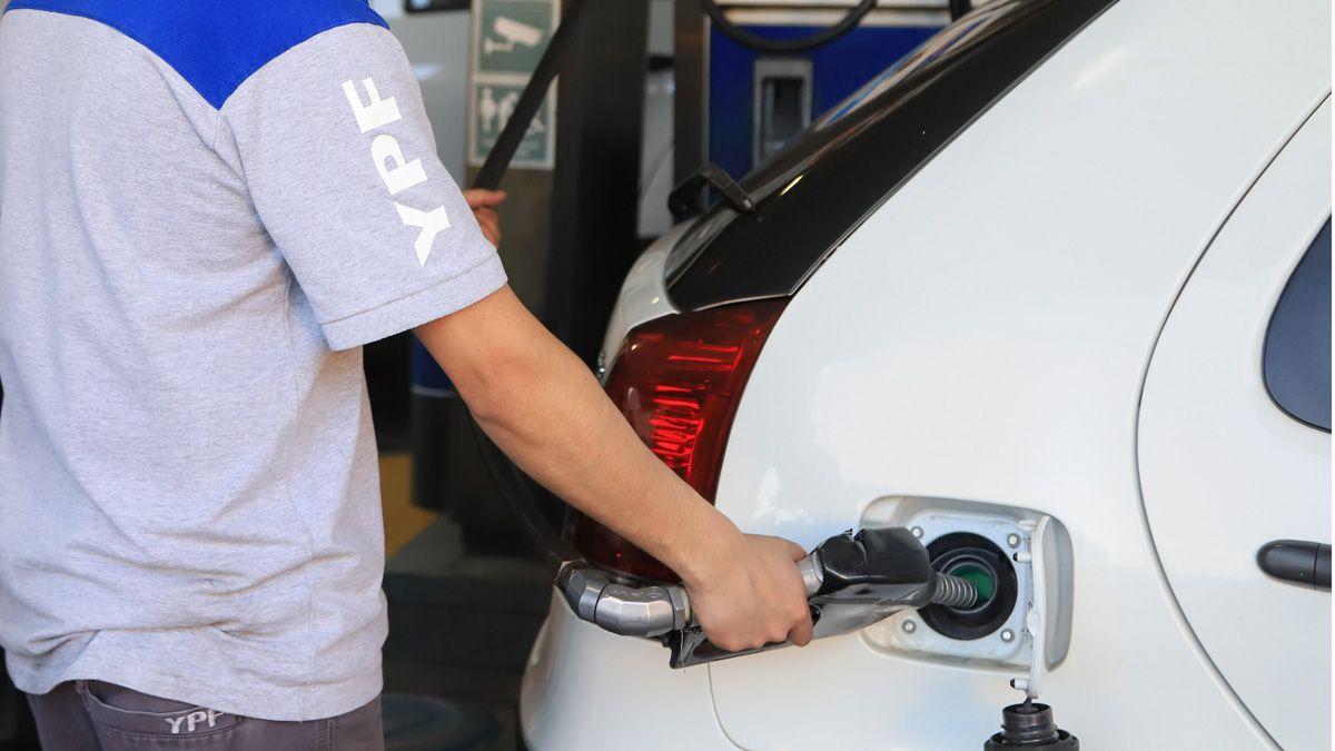YPF vuelve a aumentar los precios de los combustibles.