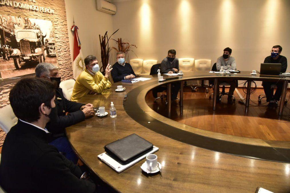 Durante la reunión con las entidades comerciales