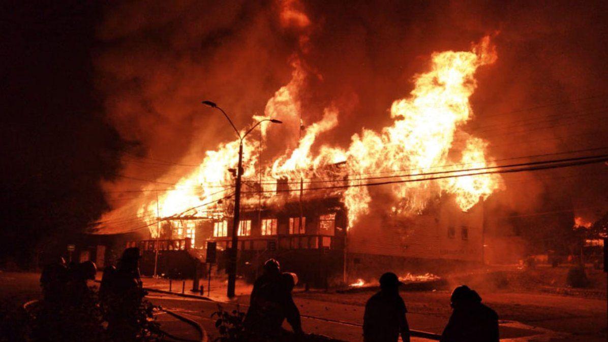 Disturbios en Chile tras el asesinato de un malabarista por parte de un carabinero
