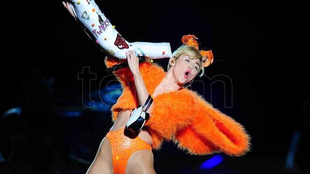 Miley Cyrus realizará un Unplugeed desde su casa.