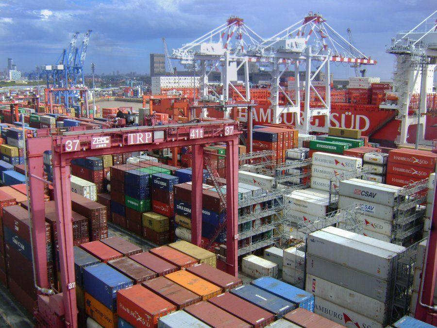 Los productos involucrados en las maniobras ilegales incluían materias primas y vehículos