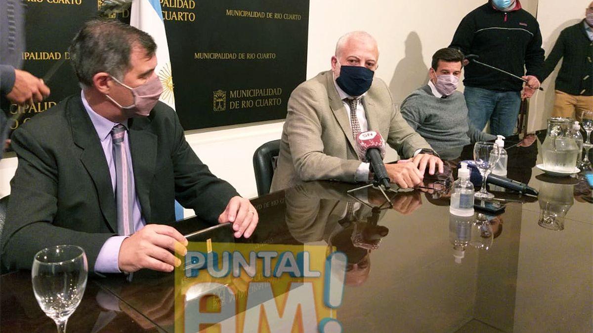 El jefe coordinador de Gabinete Julián Oberti anuncia la ampliación de los beneficios de ayuda.