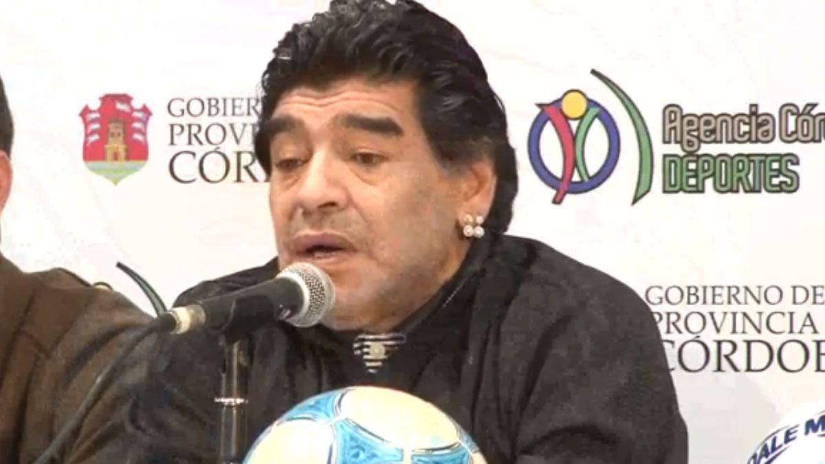 Diego en Río Tercero: el último partido a beneficio que lo trajo a jugar en la región