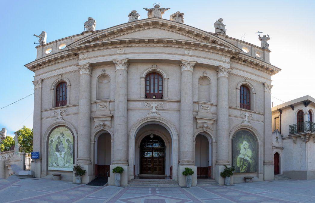 La Catedral de la ciudad continúa con sus oficios litúrgicos todos los días de la semana a las 19 horas.