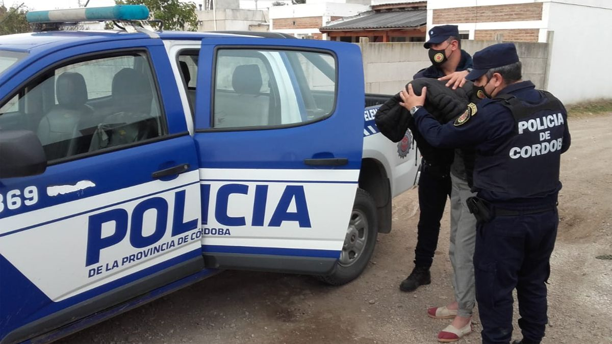 Un joven de 19 años fue detenido tras un allanamiento en Elena.