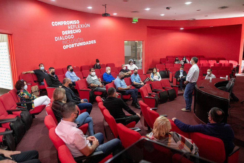 Rosso se reunió con representantes de Villa Nueva, de fuerzas de seguridad y del Pasteur