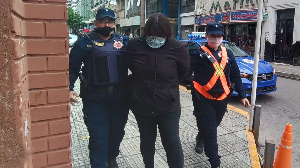 Dos mujeres fueron detenidas en la ciudad por estafas cometidas en Rosario