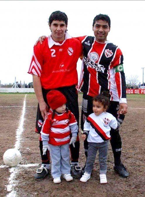 Franco Ortiz y su hija Milagros vestidos de Yrigoyen