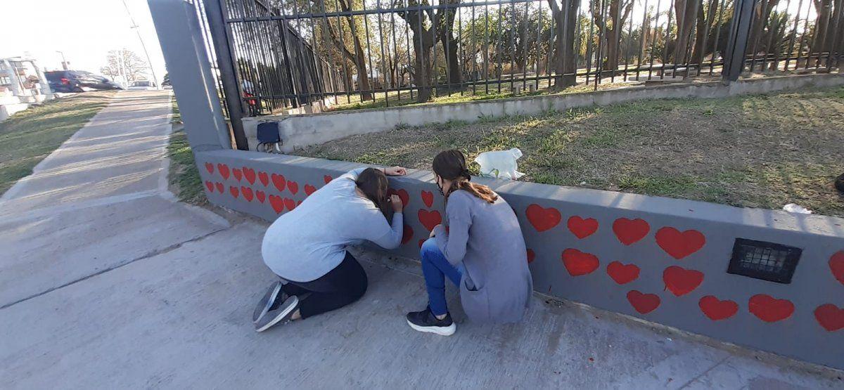 En Villa Nueva realizan un mural para recordar a las víctimas que el Covid se cobró