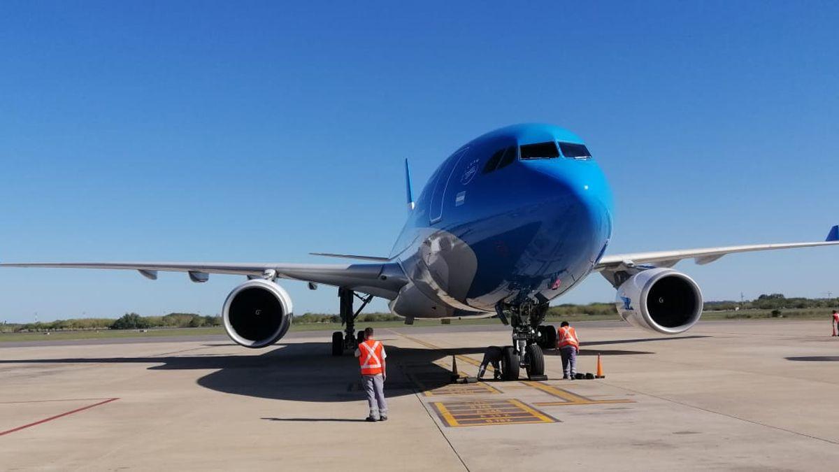 Dos vuelos de Aerolíneas viajan a China en busca de dosis de Sinopharm.