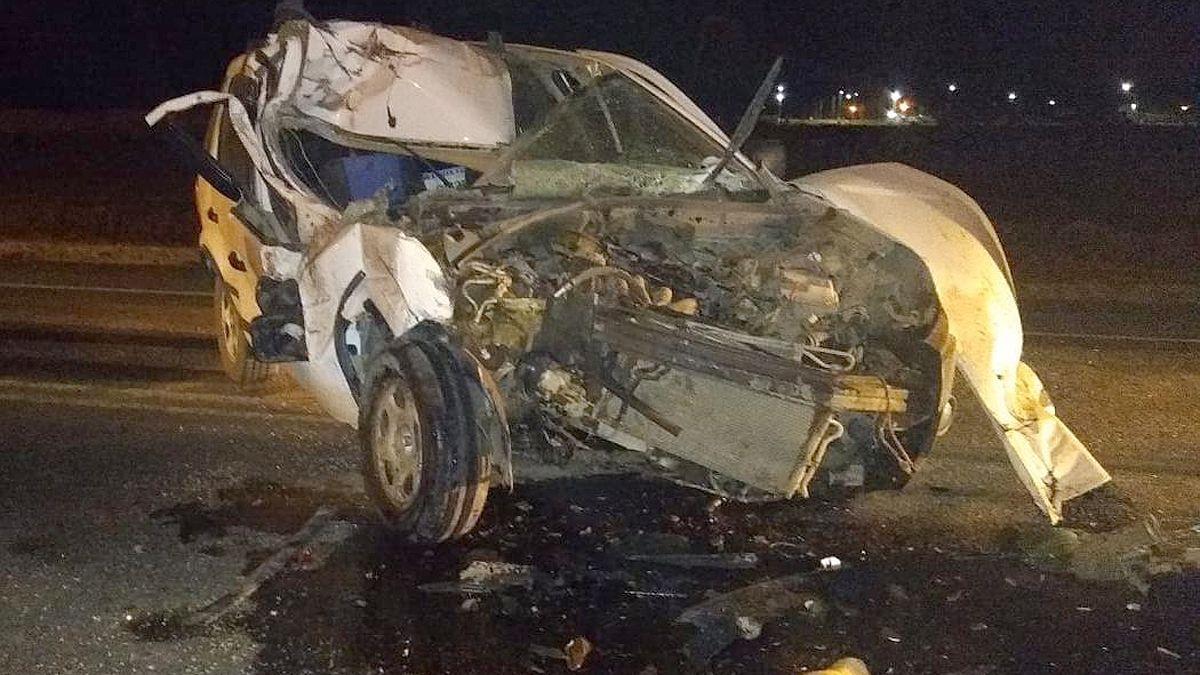 Una joven resultó herida al chocar contra un camión en Las Higueras
