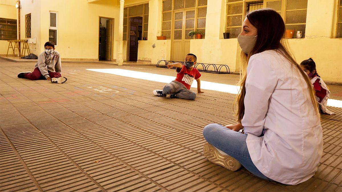 En las escuelas de Córdoba se fortalece el sistema de bimodalidad.