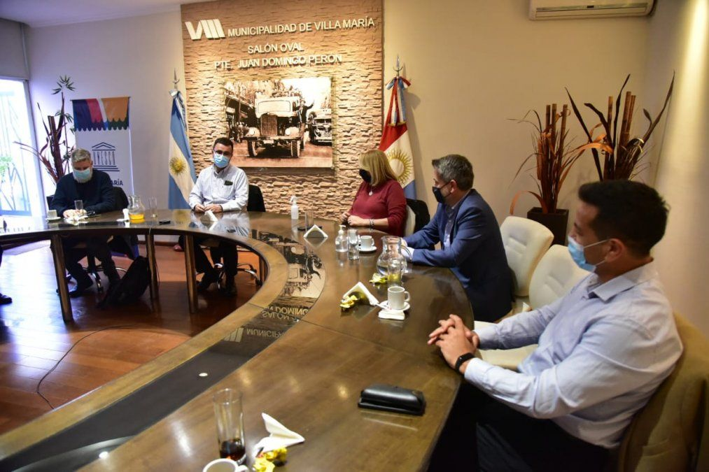 Del encuentro participaron autoridades locales y provinciales.