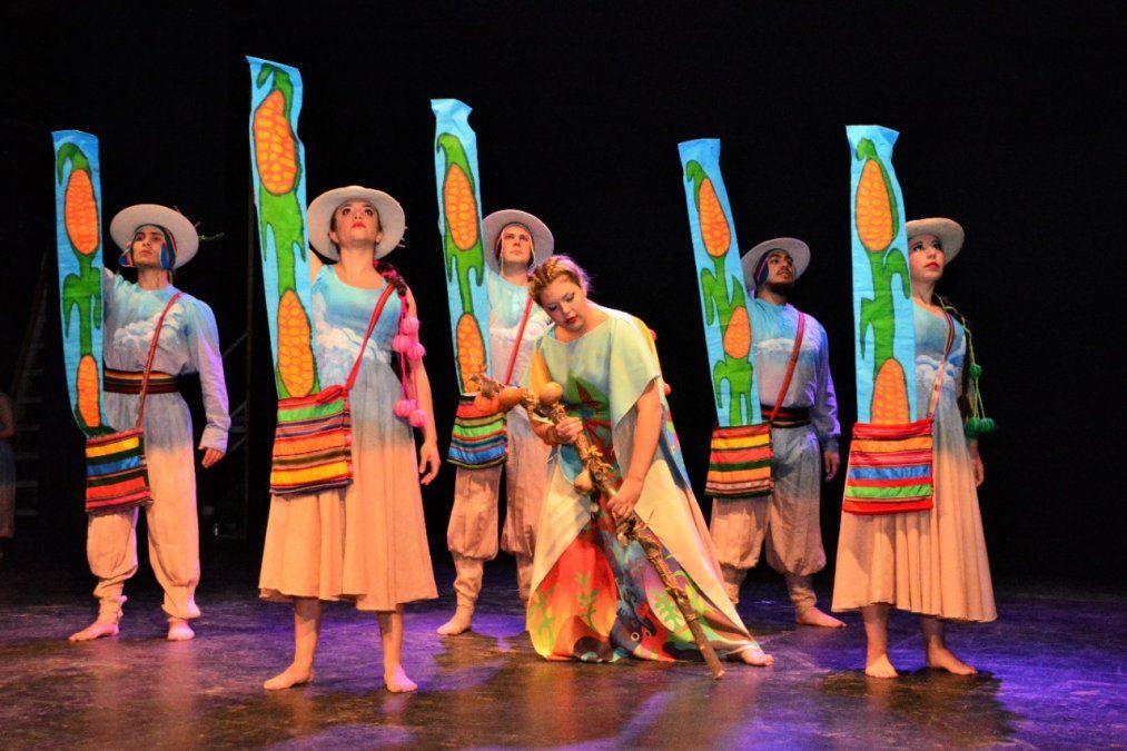 Abriendo Surcos repasa 45 años de danza en Cultura Solidaria.