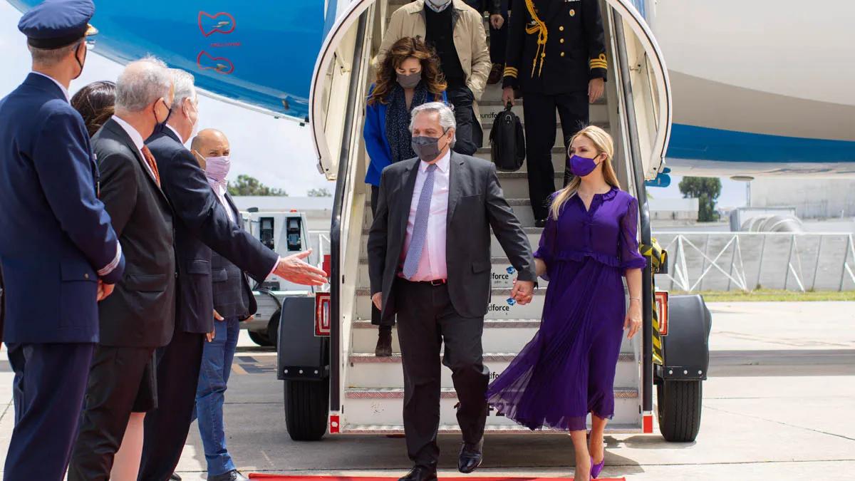 El Presidente arribó al país luego de su gira europea