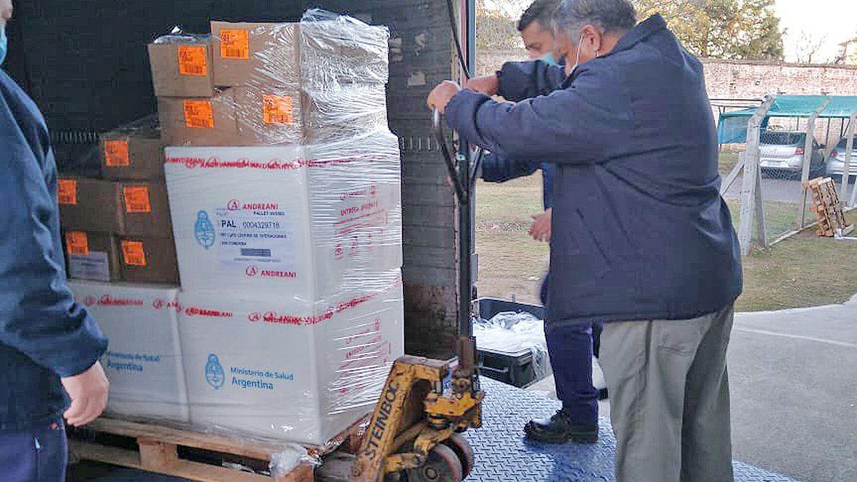Llegaron hoy a Córdoba otras 187.200 vacunas de AstraZeneca.