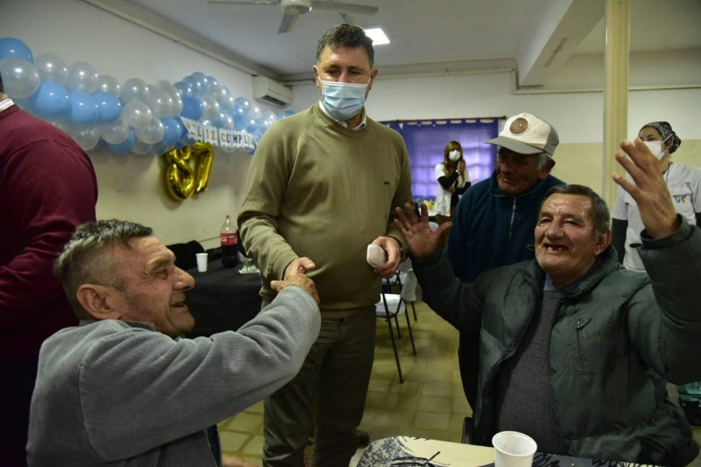 Celebraron el  87° aniversario del Hogar de Ancianos Municipal junto a los residentes