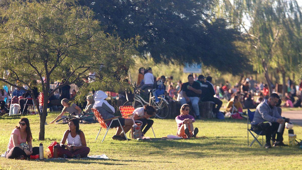 Los fines de semana, los riocuartenses concurren de manera masiva a los espacios públicos.
