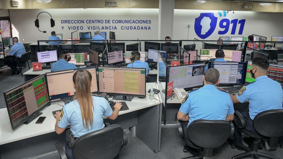 La operadora del 911 brindó asesoramiento por teléfono a la embarazada.