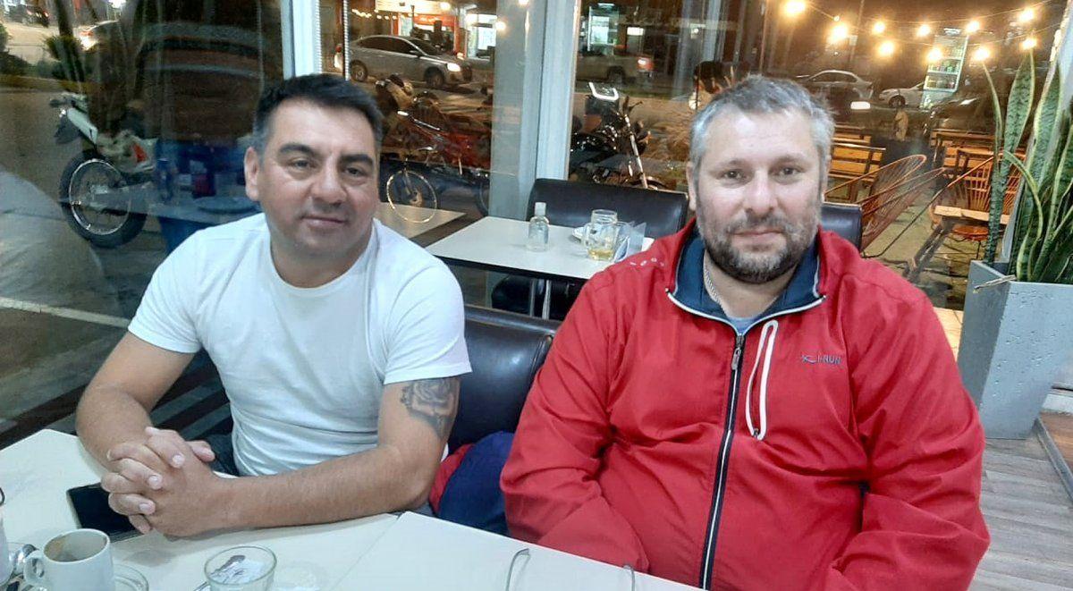 El profesor Ariel Palacios y Juan Ardiles