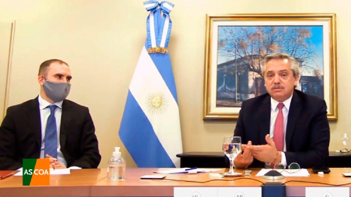 El presidente Alberto Fernández y el ministro de Economía