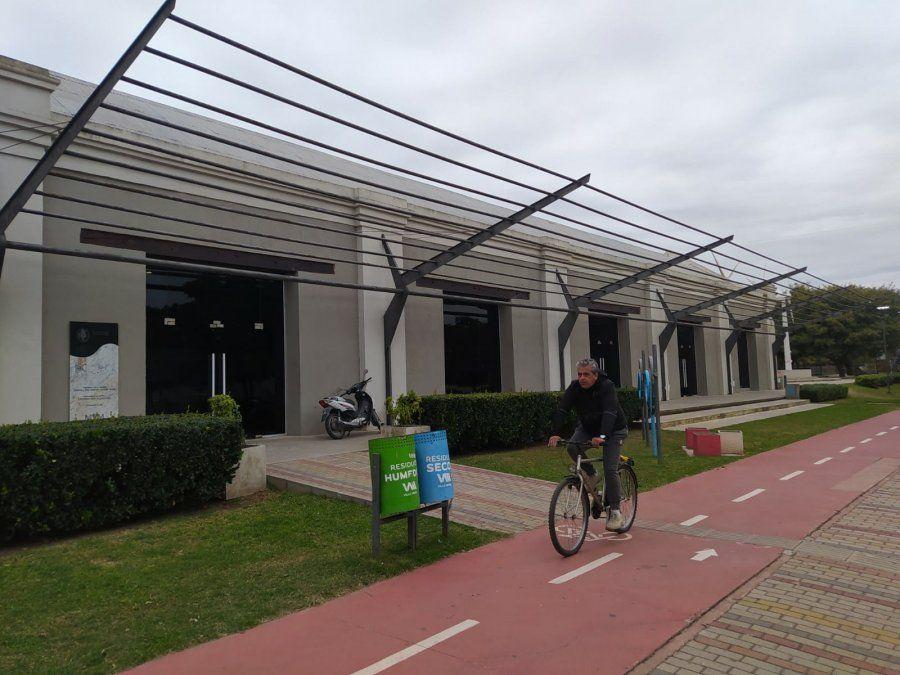 La ciudad dispone de ciclovías y bicisendas