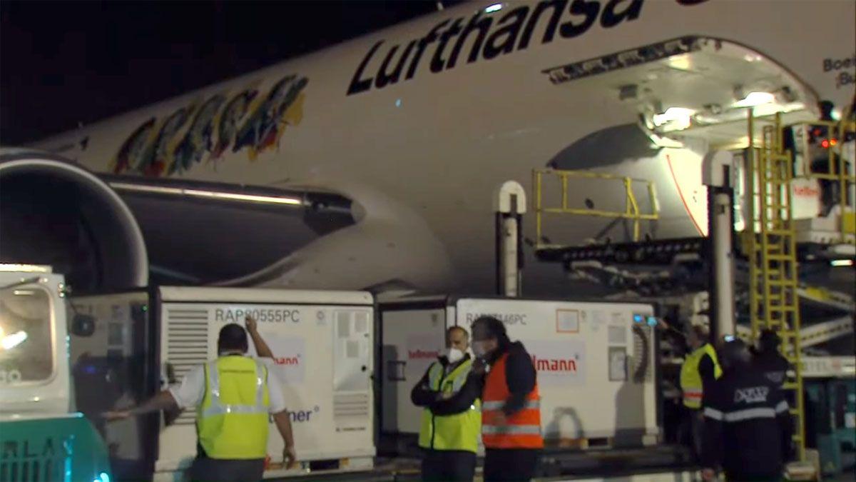 Un vuelo de Lufthansa trasladó dosis de Sinopharm desde China.