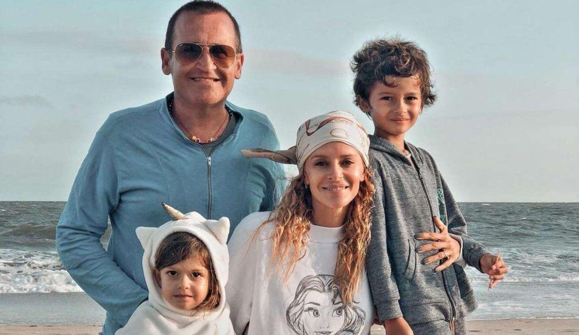El matrimonio y sus hijos Benicio y Joaquina se mudaron a Uruguay