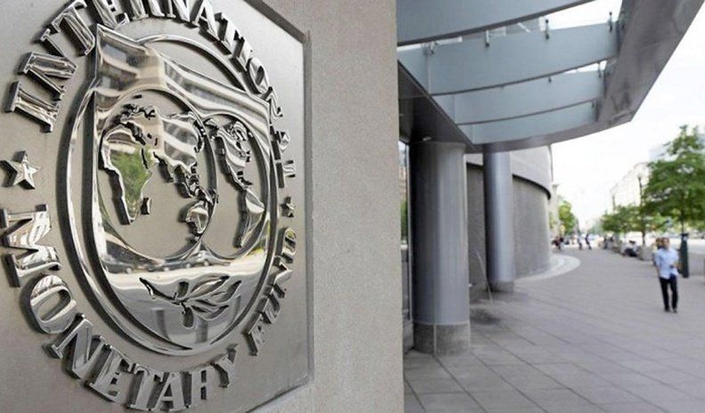 Advierten sobre futuros problemas para devolver el préstamo al FMI