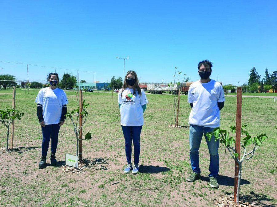Inauguraron la segunda plaza frutal y presentaron a la patrulla de guardianes ambientales