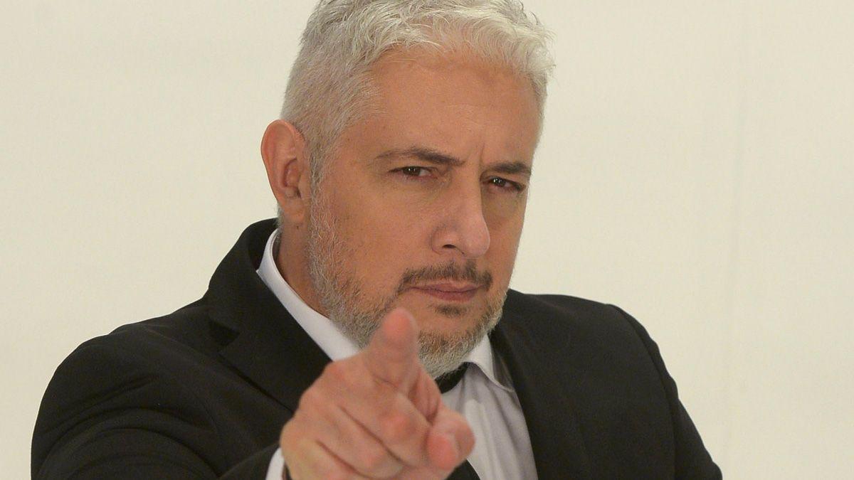 """Mariano Peluffo conduce """"Relatoras""""."""