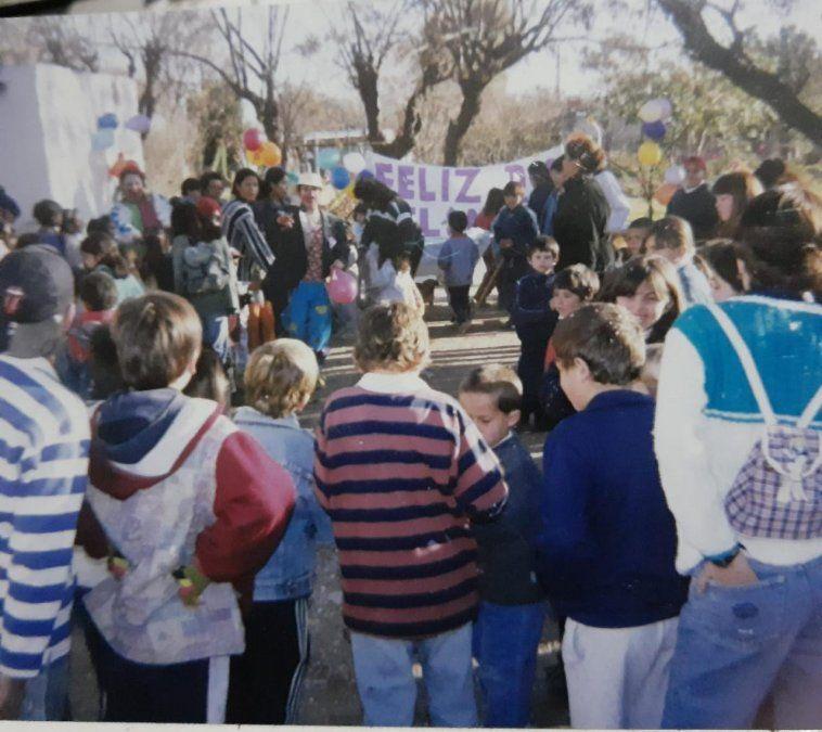 La imagen es de un festejo varios años atrás que Mónica y su familia compartieron con Puntal Villa María.