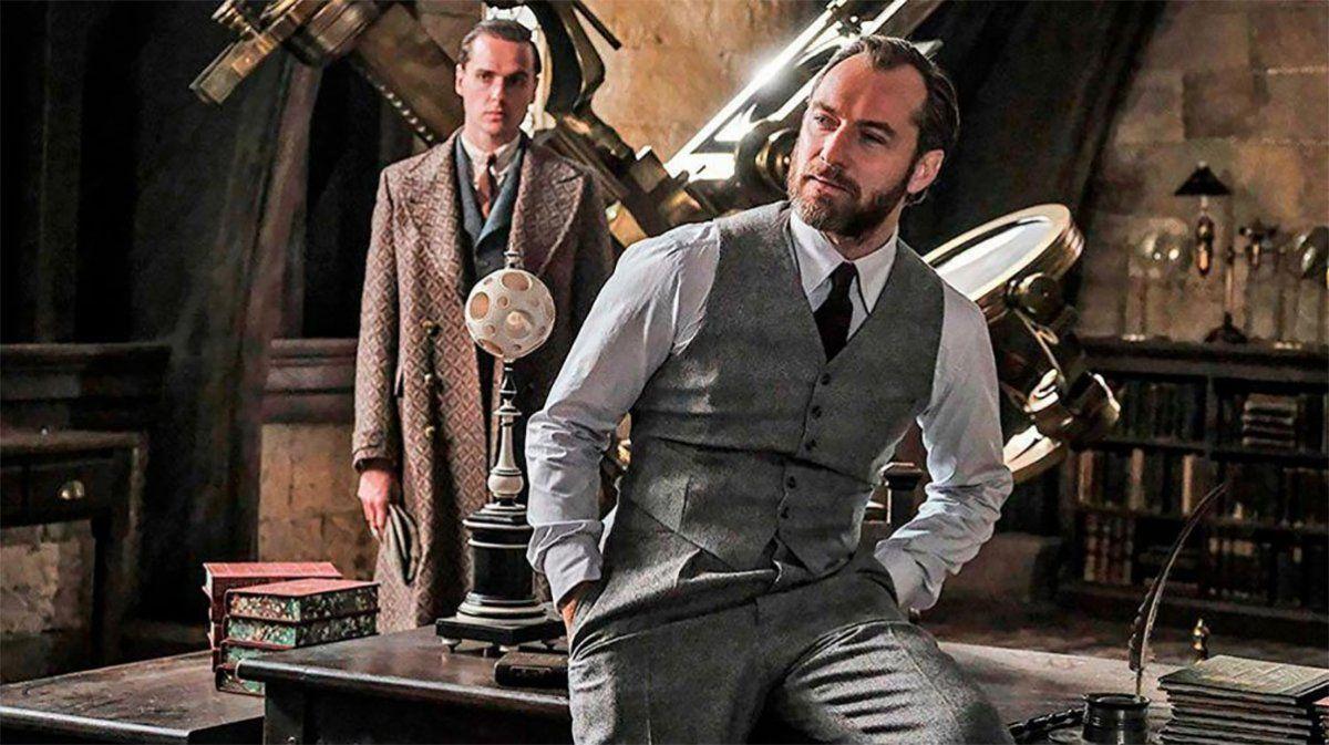 Albus Dumbledore (Encarnado por Jude Law) y Gellert Grindelwald (Interpretado por Mads Mikkelsen en reemplazo de Johnny Depp)