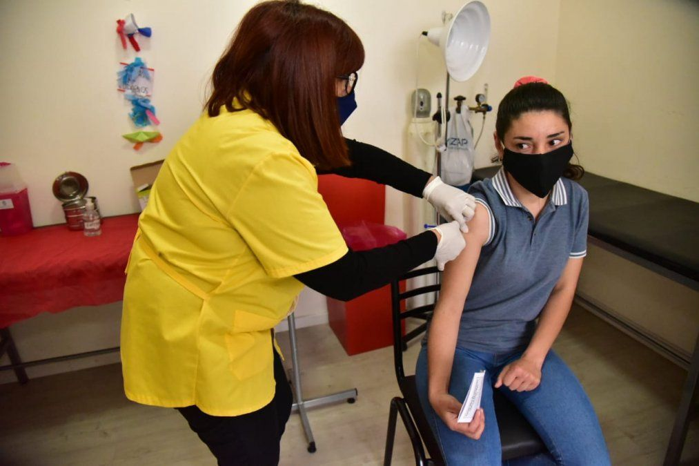 El nuevo esquema de vacunación funcionará de lunes a viernes en 6 Caps y la Asistencia.