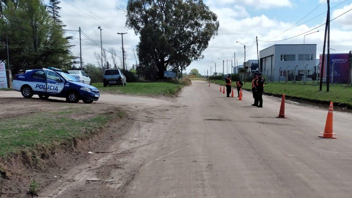 En la ciudad instalaron controles en el camino al sector de quintas.